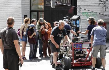 ON SE DEMANDE - Comment les films québécois font des profits ou en font-ils?