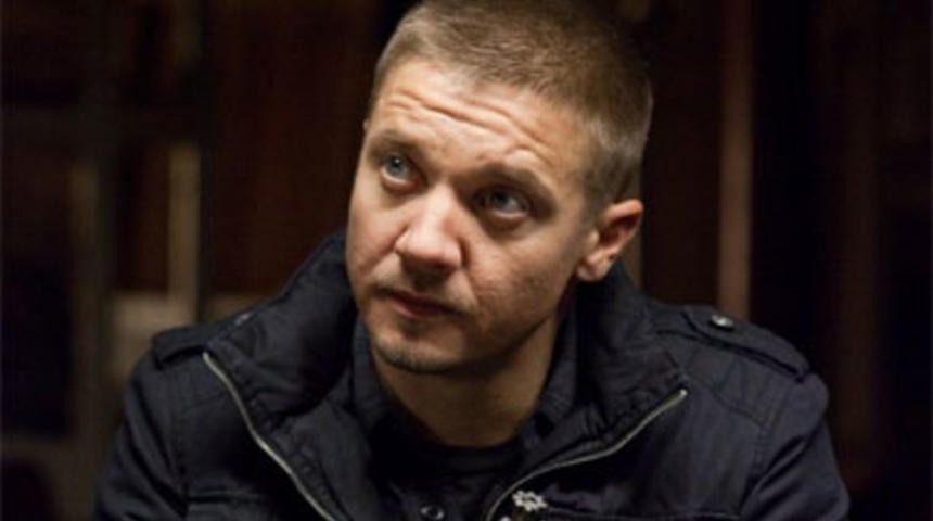 Jeremy Renner pourrait remplacer Tom Cruise