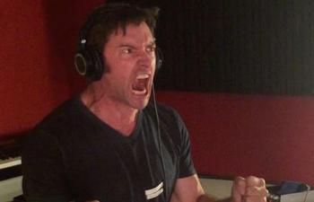 Hugh Jackman se donne à fond dans le doublage des scènes de combats de Logan