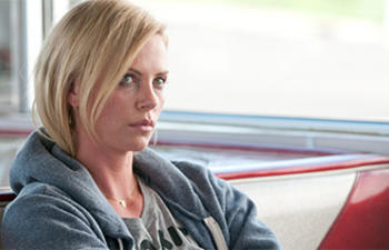 Charlize Theron dans la comédie Ladies Night