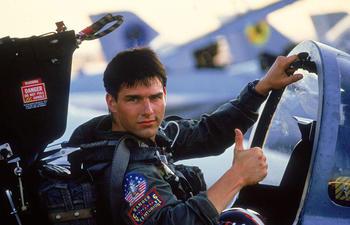 Jon Hamm promet des scènes aériennes exceptionnelles dans le nouveau Top Gun