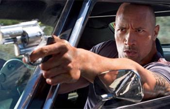 Dwayne Johnson dans Hercules de Brett Ratner