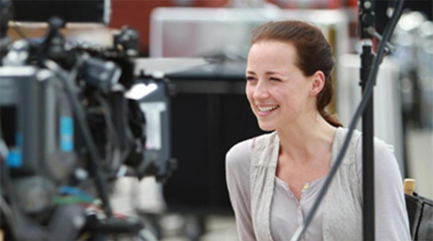 Karine Vanasse jouera dans Buddha's Little Finger