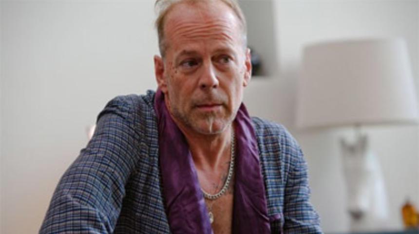 Bruce Willis dans Five Against a Bullet