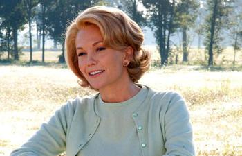 Diane Lane sera la mère de Henry Cavill