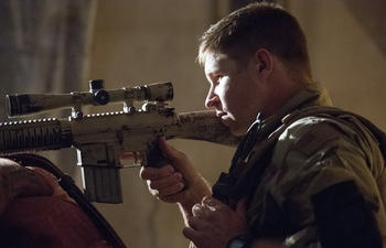 Box-office nord-américain : American Sniper reste au sommet